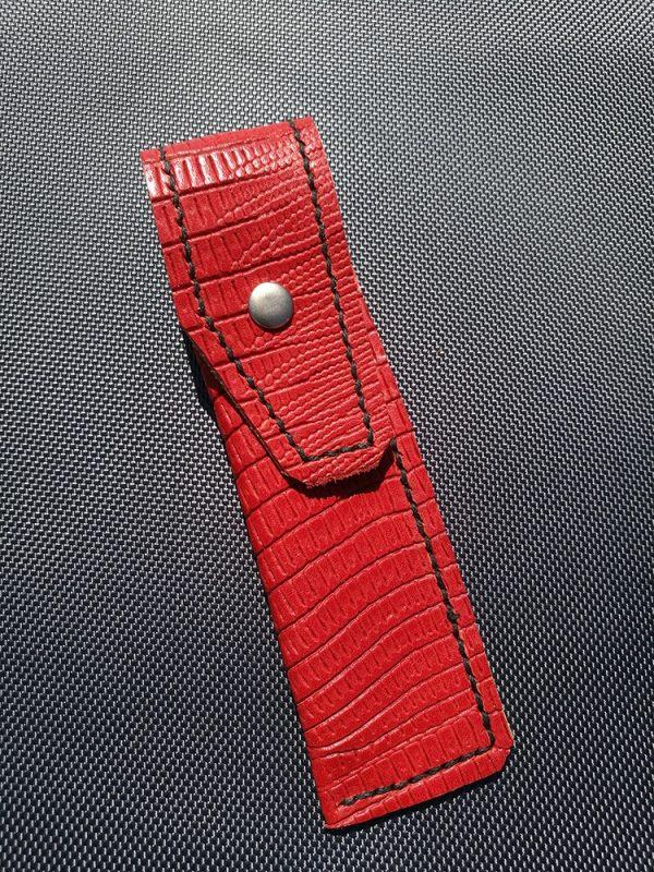 cuir-de-vachette-rouge