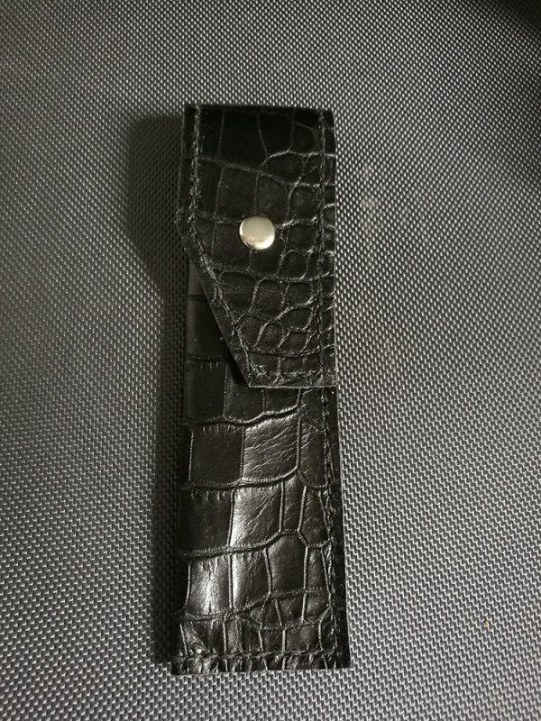 Pochette noire en cuir taille normale 1