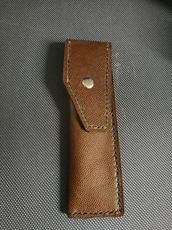 Pochette brune en cuir taille normale V2 1